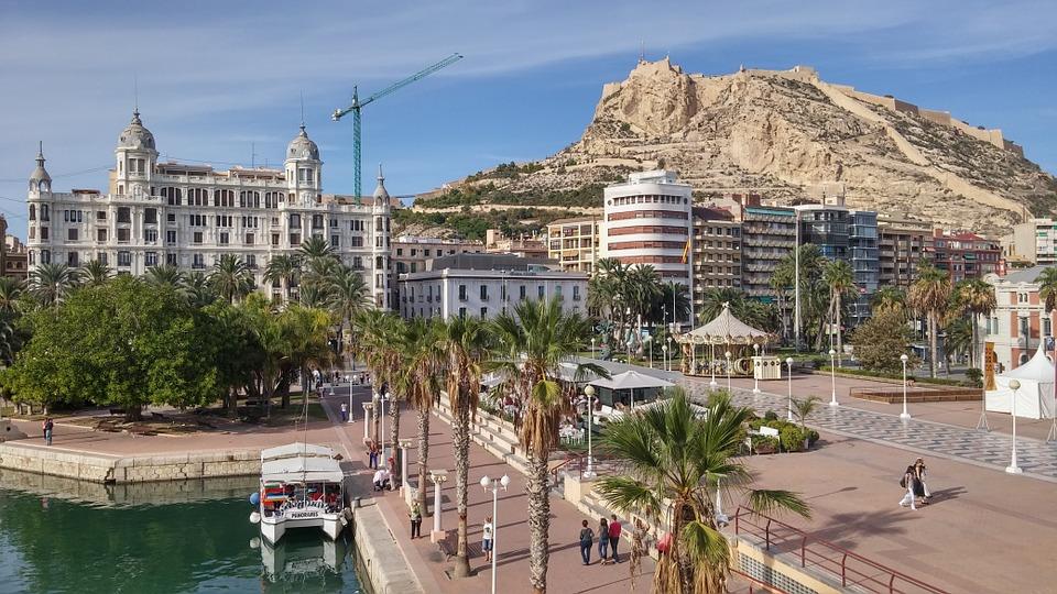 Viaje a Alicante, cómo moverse con comodidad 1