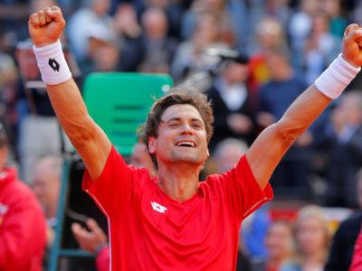 Ferrer clasifica a España para semifinales de la Davis tras una victoria épica