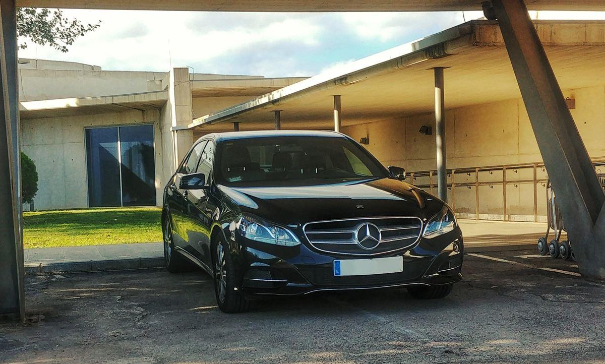 En Exclusive Cars somos especialistas en transportes para viajes de negocios 3