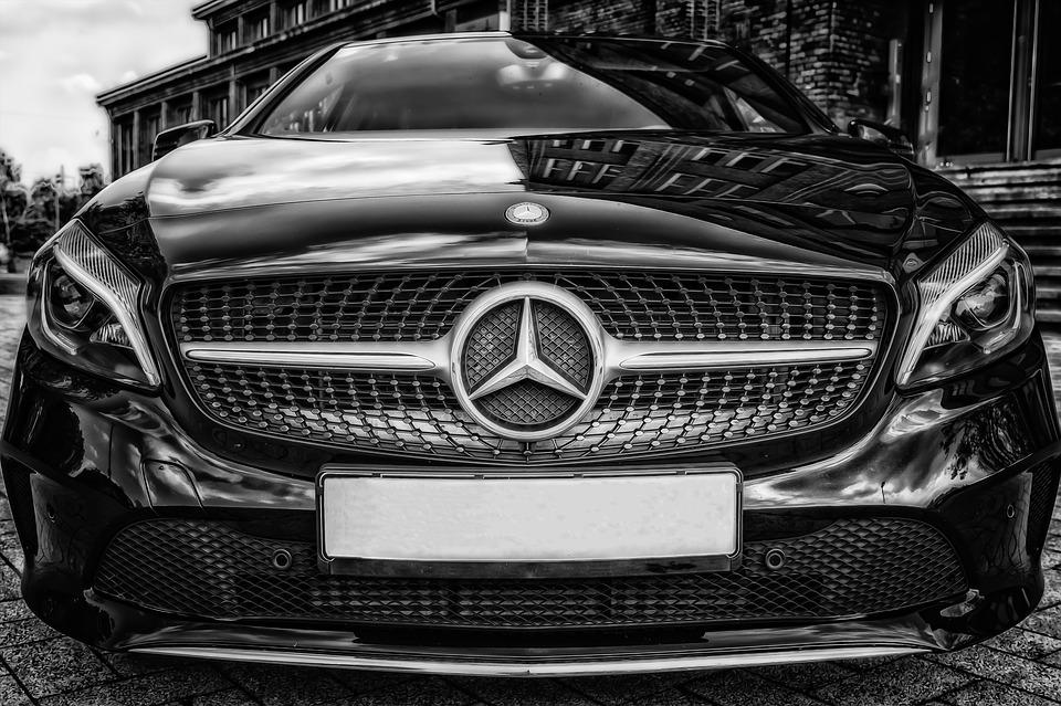 Alquiler de coches con conductor para desplazarse por Sevilla 3