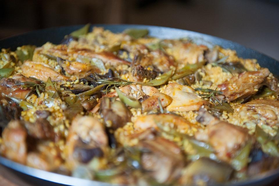 Cuatro platos que no debes dejar de probar si viajas a Valencia