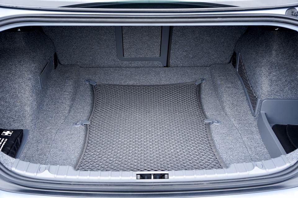 Cómo organizar un maletero para un viaje en coche
