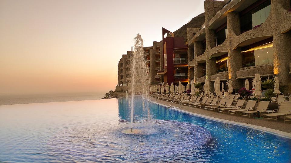 ¿Sabes en que ciudades puedes encontrar más hoteles más lujosos? 1